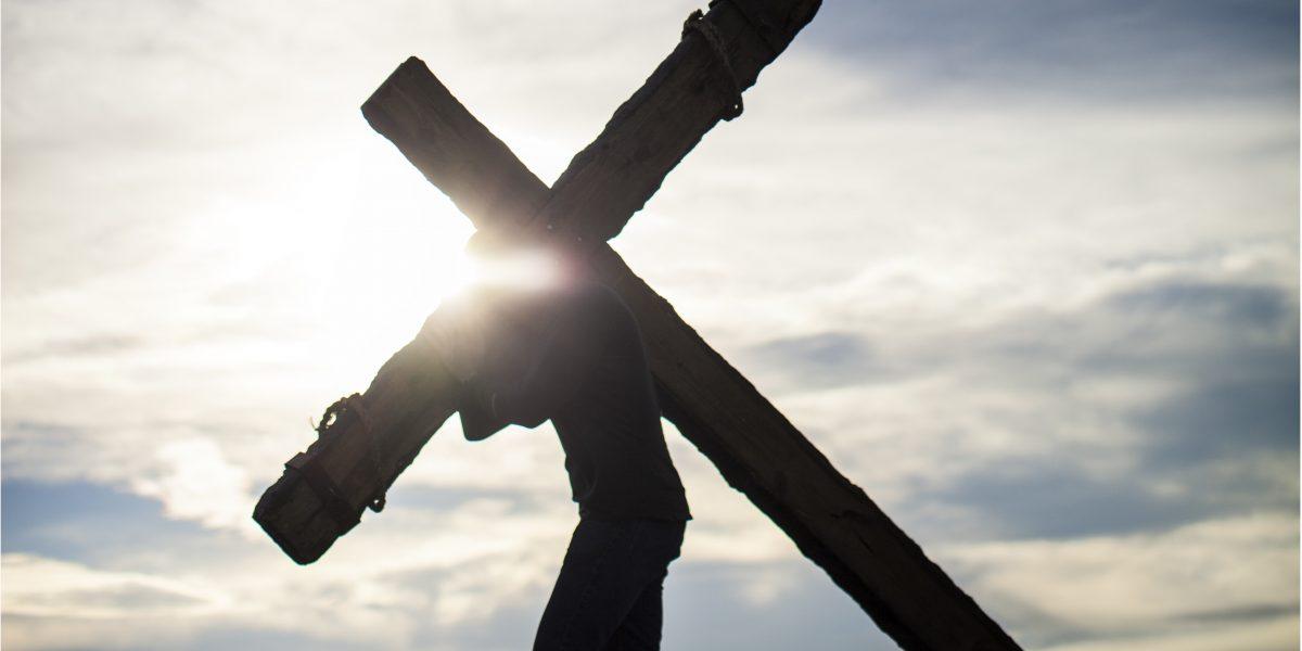 photo of Jesus carrying cross